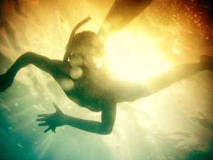swimming-underwater